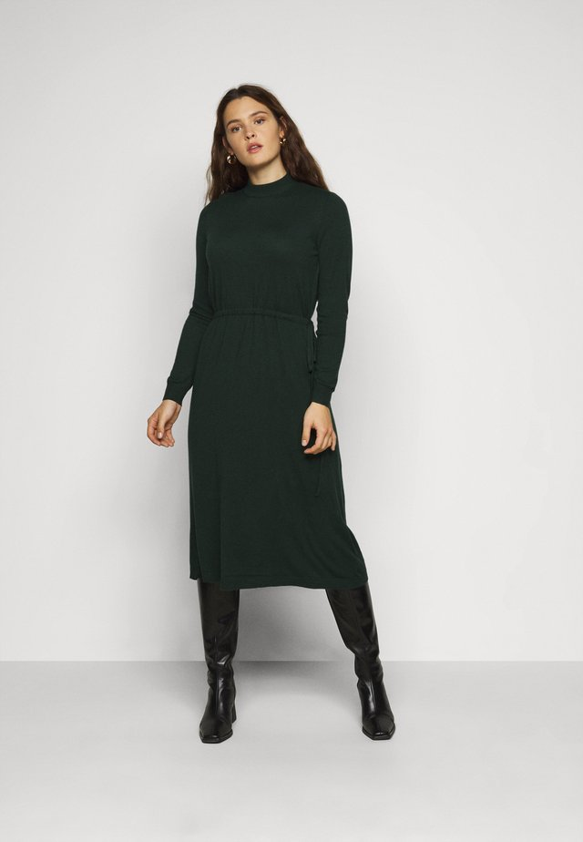 VMSHARM HIGHNECK DRESS - Vestido de punto - pine grove