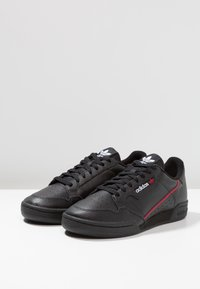adidas Originals - CONTINENTAL 80 SKATEBOARD SHOES - Matalavartiset tennarit - core black/scarlet/collegiate navy - 2