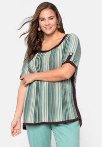 Sheego - Print T-shirt - green - 0