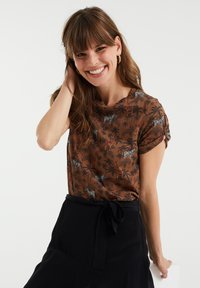 WE Fashion - Print T-shirt - brown - 3