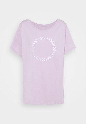 ICON CLASH TEE PLUS - Camiseta estampada - iced lilac