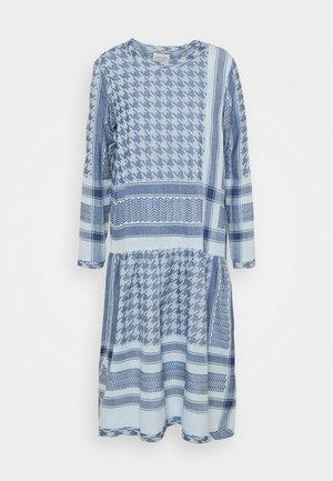 JOSEFINE LIGHT - Denní šaty - ballad blue