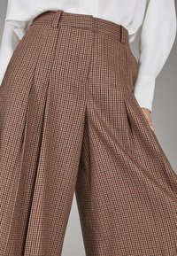 Massimo Dutti - Pantalon classique - brown - 5