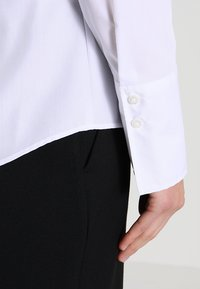 Seidensticker - Button-down blouse - white - 4