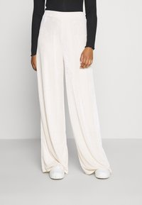 Missguided - MODESTY WIDE LEG - Tracksuit bottoms - cream - 0