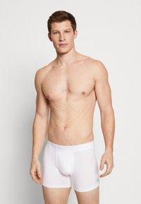 Levi's® - MEN PREMIUM BOXER BRIEF 3PACK - Pants - white - 1