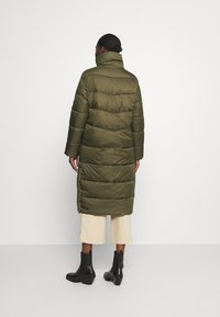 Marc O'Polo DENIM - LONG PUFFER COAT - Zimní bunda - utility olive - 2