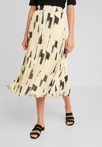 Monki - LAURA PLISSÉ SKIRT - Pliceret nederdel /Nederdele med folder - orange dusty light - 1