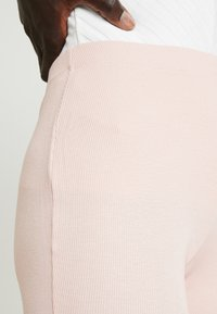 Missguided Tall - FLARE - Spodnie materiałowe - rose - 5