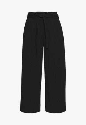 JDYTANJA CULOTTE ANKLE PANT - Trousers - black