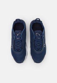 Nike Sportswear - AIR MAX 2090 UNISEX - Sneakers laag - midnight navy/metallic red bronze - 3
