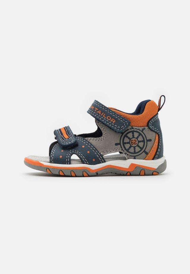 Sandalen - navy/grey/neon orange