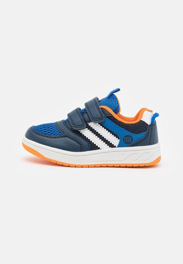 CARTER UNISEX - Outdoorschoenen - dark blue/orange