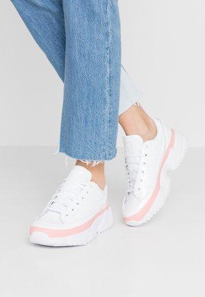 KIELLOR - Tenisky - footwear white/glow pink