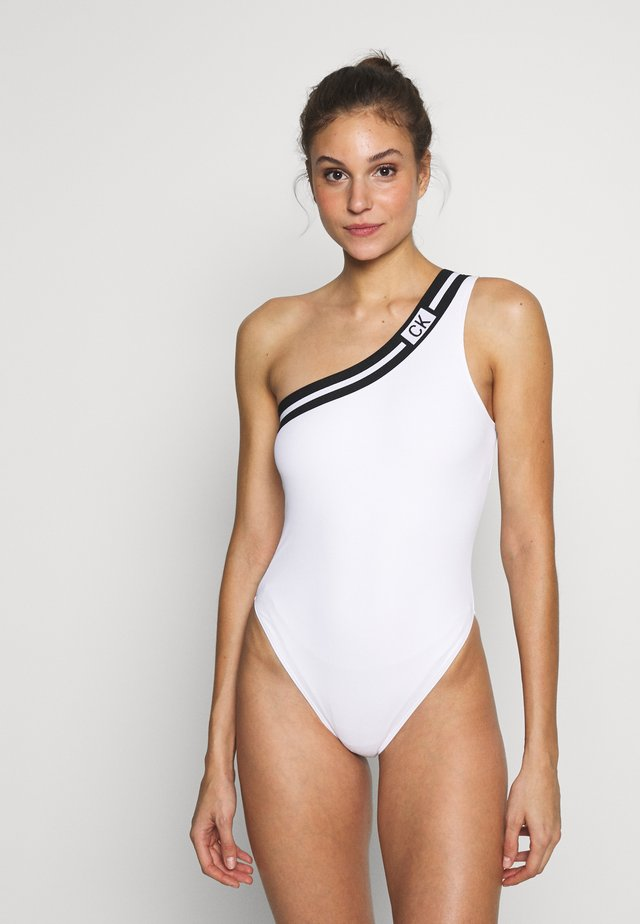 CORE RESET CHEEKY ONESHOULDER ONE PIECE - Swimsuit - classic white