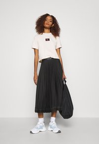 Calvin Klein - SUNRAY PLEAT SKIRT - A-lijn rok - black - 1