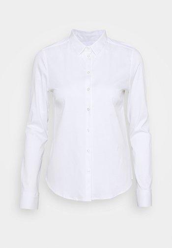 TINA - Skjorte - white