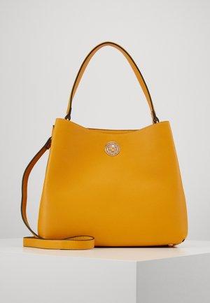 FILIPPA - Handbag - gelb