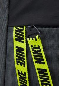 Nike Sportswear - ESSENTIALS UNISEX - Rucksack - iron grey/cyber/black - 4