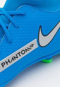 Nike Performance - PHANTOM GT CLUB DF FG/MG - Kopačky lisovky - photo blue/metallic silver/rage green - 5