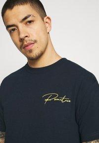 Primitive - WOLVERINE TEE - T-shirt print - navy - 3