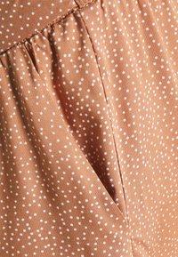 MAMALICIOUS - MLTHILDE  - Shorts - sunburn/snow white - 2