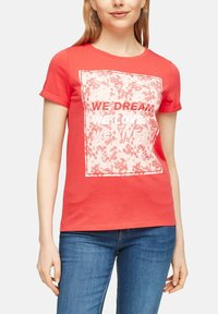 QS by s.Oliver - MIT FRONTPRINT - Print T-shirt - red - 3