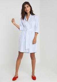 Seidensticker - Shirt dress - weiß/hellblau - 2