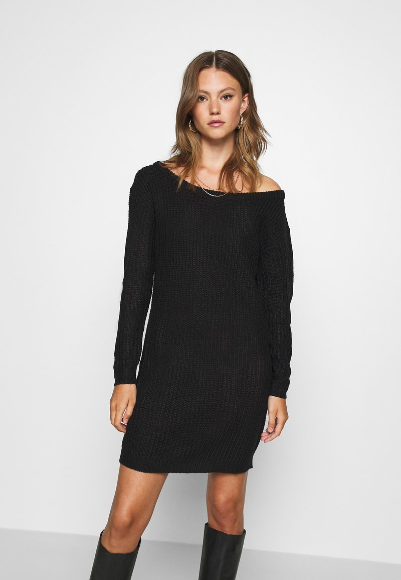 Missguided - AYVAN OFF SHOULDER JUMPER DRESS - Strikket kjole - black