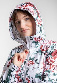 Luhta - ANNIS - Soft shell jacket - raspberry - 4