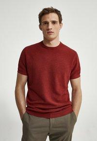 Massimo Dutti - Basic T-shirt - red - 0
