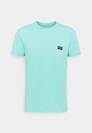 POCKET LABEL TEE - T-shirts - minted