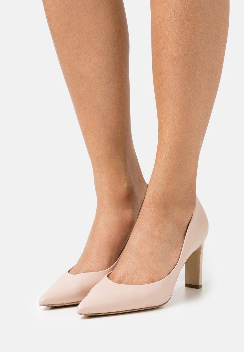 Högl - SALLY - Classic heels - beige