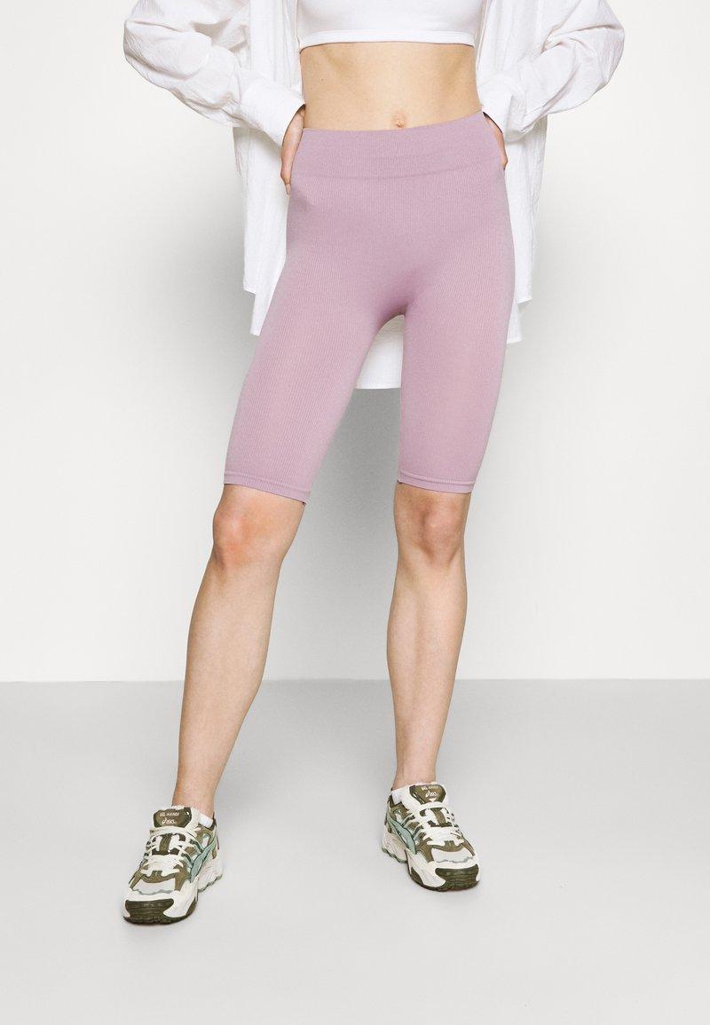Even&Odd - SEAMLESS RIB CYCLING SHORTS - Shorts - purple
