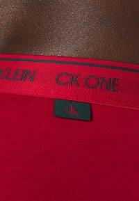 Calvin Klein Underwear - HIP BRIEF 2 PACK - Briefs - red - 3