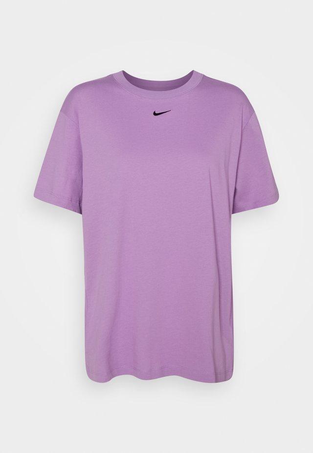 Basic T-shirt - violet shock/black