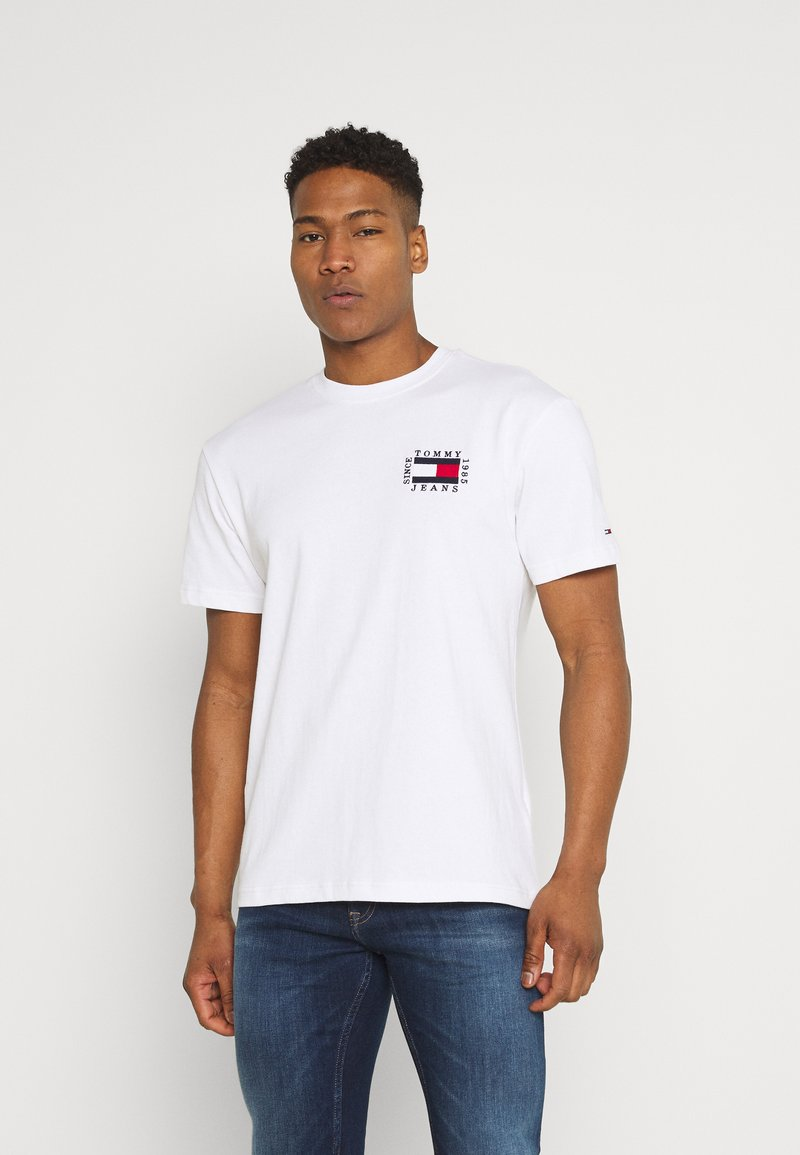 Tommy Jeans - BOX FLAG TEE - T-shirt print - white