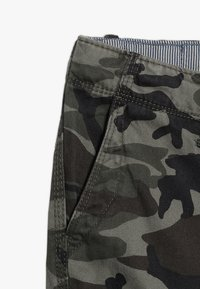 Quiksilver - CRUCIAL BATTLE YOUTH - Cargo trousers - green - 2