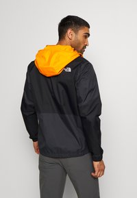 The North Face - MEN'S FARSIDE JACKET - Hardshelljacka - flame orange - 2