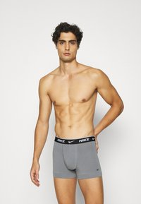 Nike Underwear - DAY STRETCH TRUNK 3 PACK - Shorty - black - 2