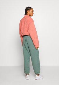 BDG Urban Outfitters - JOGGER PANT - Pantalon de survêtement - teal - 2