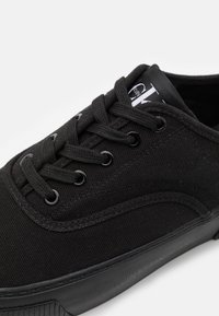Calvin Klein Jeans - SKATE OXFORD - Trainers - full black - 5