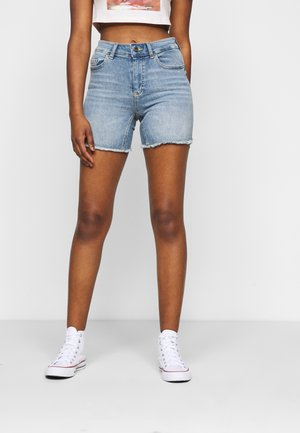 ONLBLUSH - Jeansshorts - light blue denim