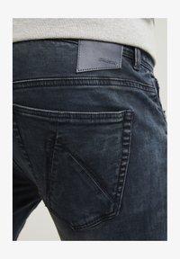 CHASIN' - NEW RAVEN - Slim fit jeans - dark blue - 3