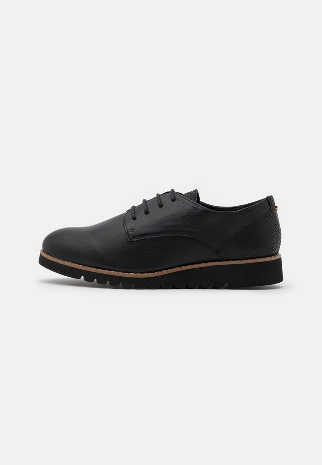 WIDE FIT FLINCH - Lace-ups - black