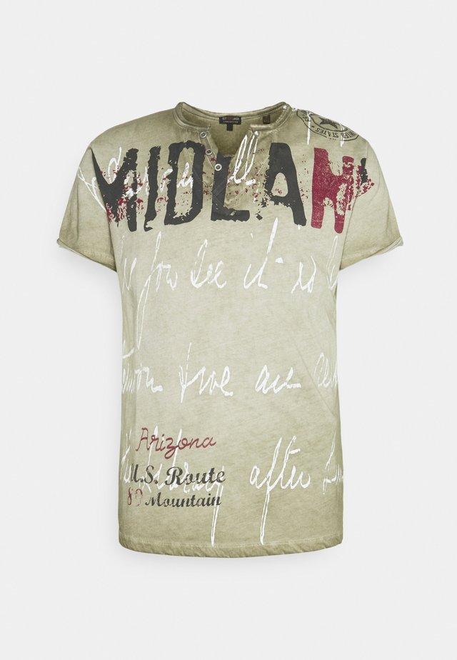 MIDLAND BUTTON - T-shirt con stampa - khaki