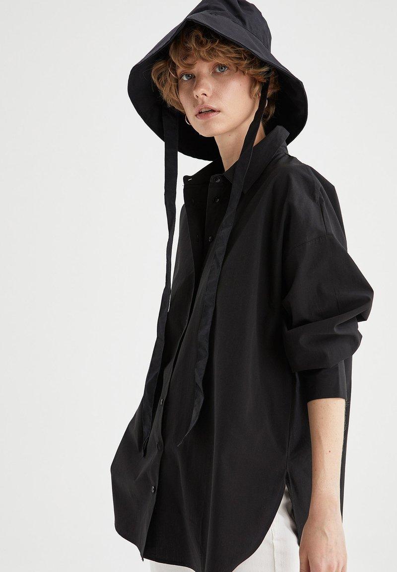 DeFacto - OVERSIZED - Button-down blouse - black