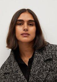 Violeta by Mango - MARIA - Short coat - schwarz - 4
