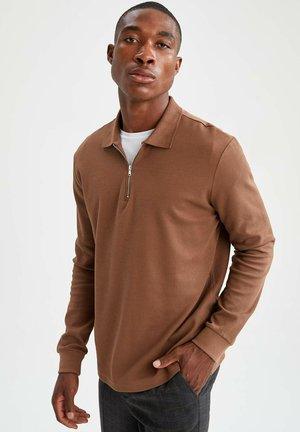 MODERN FIT - Polo shirt - beige