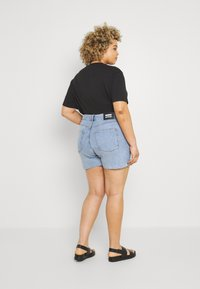 Dr.Denim Plus - NORA - Denim shorts - light retro - 2